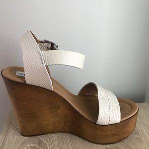 8fafe126932 Steve Madden Shoes - Steve Madden Belma Wedge in off White BRAND NEW